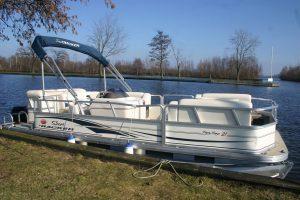 Pontonboot-de-Luxe-1
